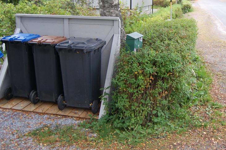 avfallsstativ ved veg namsos